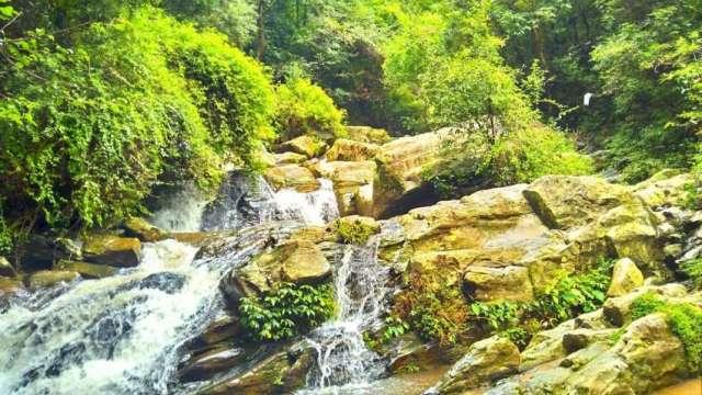 Beautiful natural waterfall Muhan Pokhari at Telkot on the way to Nagarkot.