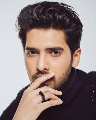 Bol Do Na Zara Lyrics - Armaan Malik | AZHAR | Emraan Hashmi, Nargis Fakhri