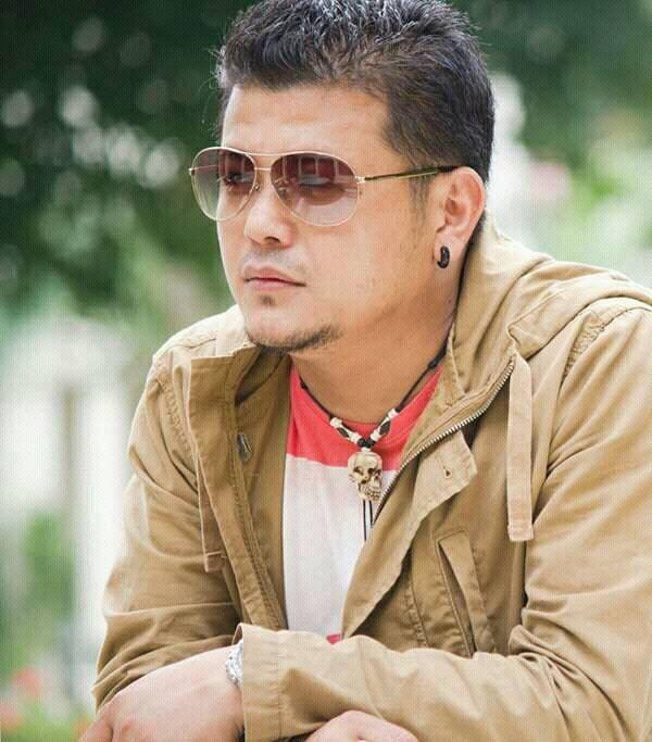 Aakashaima Chil Lyrics and Chords – Mahesh Thulung