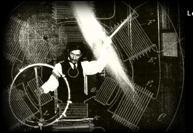 Тесла пропускает через себя высокочастотный ток