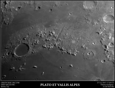 La région de Plato et Vallis Alpes Orion MAK 180/2700 ZWO ASI 224MC Filtre IR Pro 742 Paramètres ASI 224MC Output Format=SER file Binning=1 Capture Area=1304x976 Colour Space=MONO8 Temperature=13,3 Hardware Binning=On High Speed Mode=On Turbo USB=40 Gain=345 Exposure=0,005112