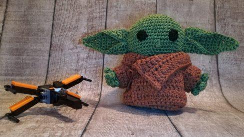 Baby Yoda - X-Wing
