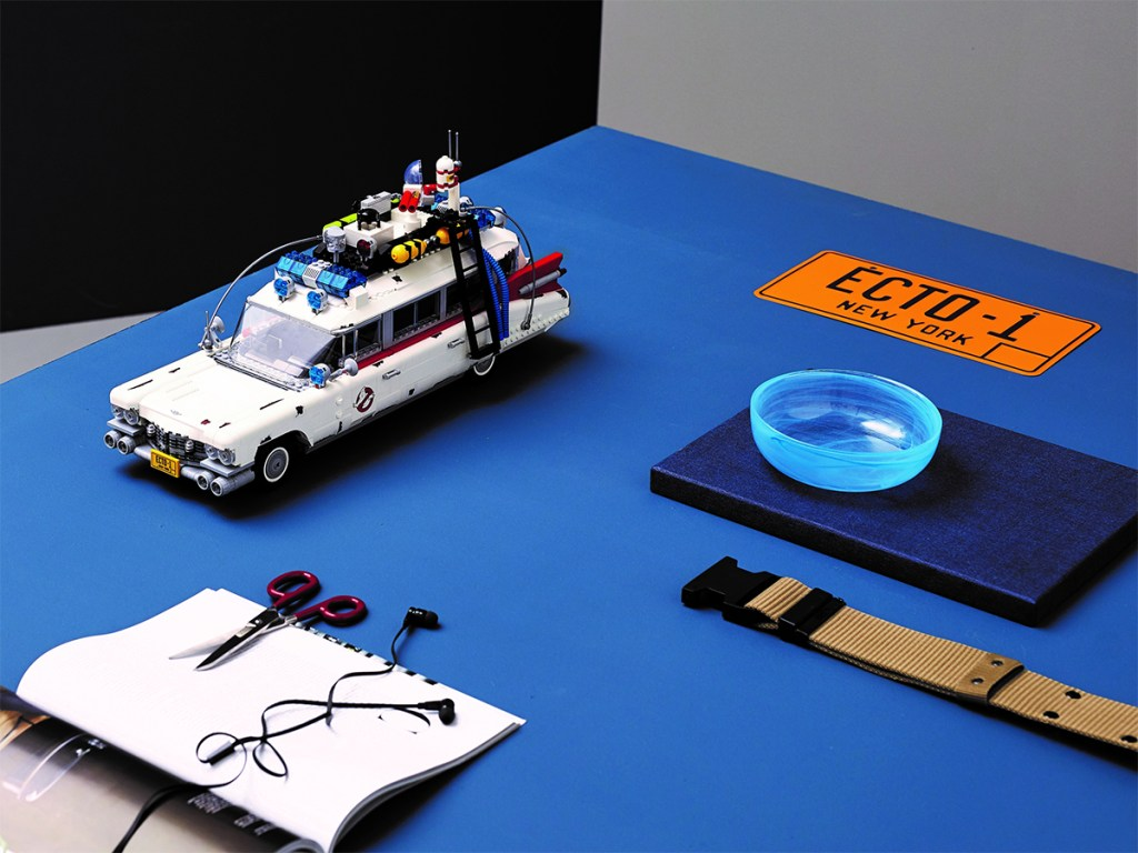 ECTO-1-Ghostbusters-LEGO-table