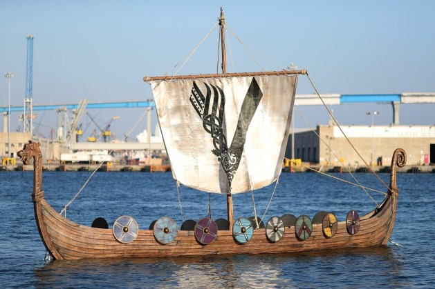 Nerdeek Life 820578368 The History Channel Actually Held a Viking Funeral at Comic Con Conventions