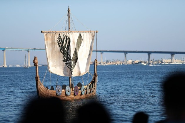Nerdeek Life 820578380 The History Channel Actually Held a Viking Funeral at Comic Con Conventions