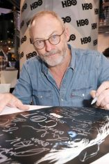 """Nerdeek Life Game-of-Thrones-SDCC-2017-Signing-06 Game of Thrones: """"Let's finish with a high kicking number!"""" Conventions"""