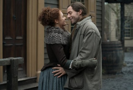 "Nerdeek Life Outlander-4x08-1-1 Outlander heads to ""Wilmington"" Nerdeek Life Roundtables"