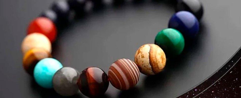 Uma pulseira do sistema solar