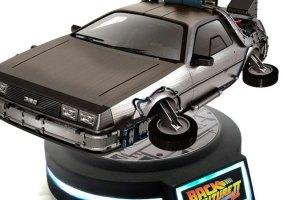 O DeLorean flutuante inspirado em De Volta para o Futuro II