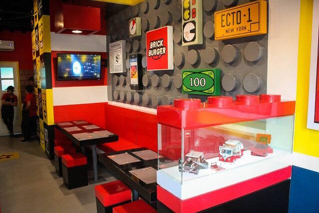 Brick Burger, uma lanchonete inspirada em LEGO