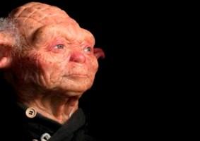 Como seria o Yoda com pele humana