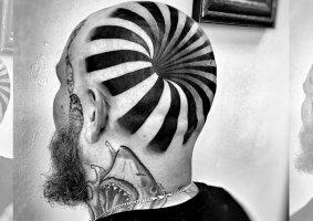 Uma incrível tatuagem 3D de ilusão de óptica