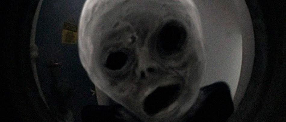 Artes macabras de Trevor Henderson parecem cenas de filmes de terror