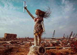 A escultura feita com destroços da explosão de Beirute
