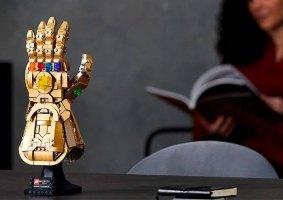 O set oficial de LEGO da Luva do Infinito é enorme