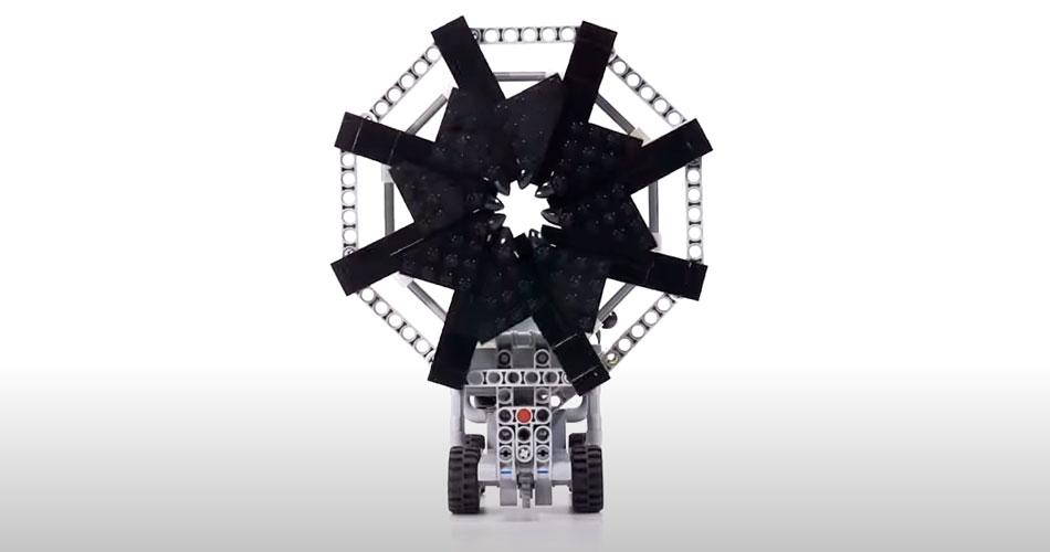 Veículo assustador de LEGO é criado por construtor