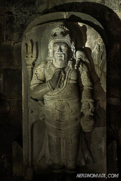 Incarnation of Shiva as a divine teacher