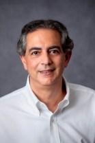EM SUAS MÃOS, de Dr. Cláudio Domênico