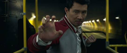 Shang-Chi treinamento de Simu Liu