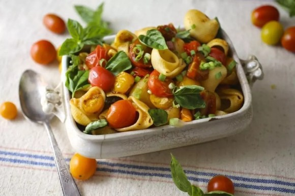 Summer Pasta With Burst Cherry Tomatoes