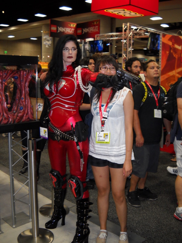 This was an excellent Baroness costume. However, I'm pretty sure she was a paid spokesmodel, which disqualifies her from the awesome costume competition.
