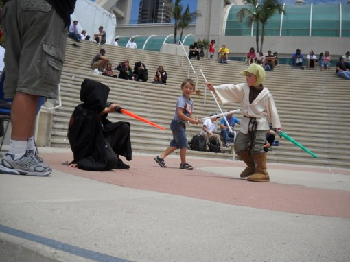 The cutest duel between good and evil, got even cuter when one boy's father was forced to stop the duel moments later to inform his son that while Yoda could Force Push, Yoda did NOT Force Choke.