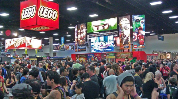 Still large crowd on Sunday at San Diego Comic-Con 2012