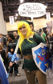 A female Link cosplayer gripes about being mistaken for Zelda. (Photo by Christen Bejar)