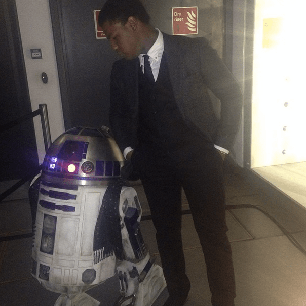 John-Boyega-R2-D2