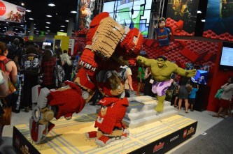 Lego Hulk and Hulkbuster