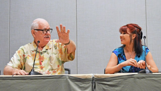'The Jaws Log' author, Carl Gottlieb, and Marine Biologist, Amanda Mozilo, talk sharks at Phoenix Comicon 2016.