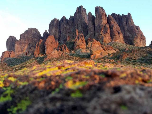 Superstition Mountains at Lost Dutchman State Park, Prospector's View Trail, Apache Junction, Ariz., January 2017. Photo by Bob Leeper