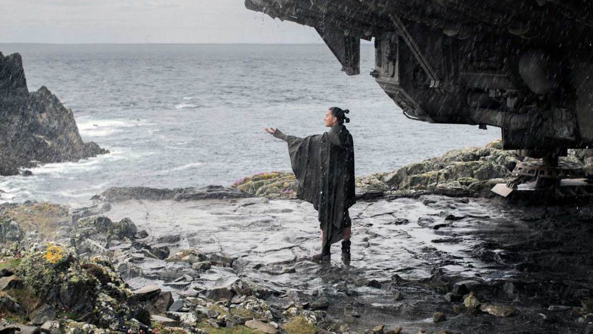 Rey possibly feeling rain for the first time is one of the little things you may have missed in The Last Jedi.