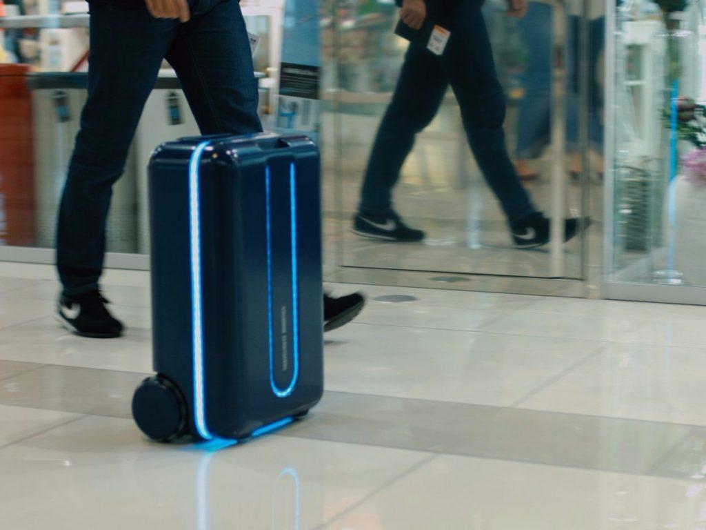 Travelmate Robotics suitcase