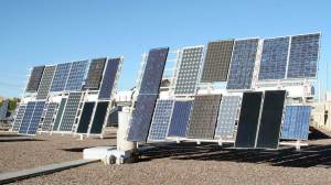 Solar-power production in Arizona, both rooftop and commercial, has increased 185-fold since 2008, according to a new report. (File photo by Cronkite News)