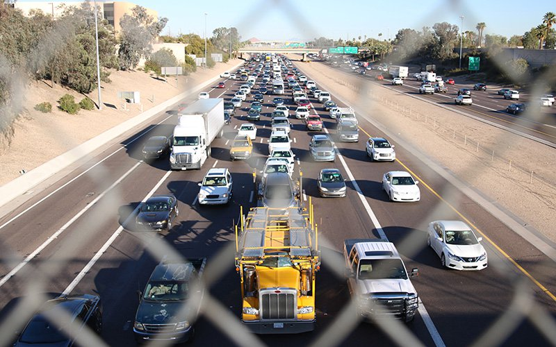Rush hour traffic on Interstate 10 in downtown Phoenix. The I-10 and Interstate 17 corridor from north Phoenix to the southeast Valleyicarries 40 percent of the daily freeway traffic in the Valley. (Photo by Jessica Clark/Cronkite News)