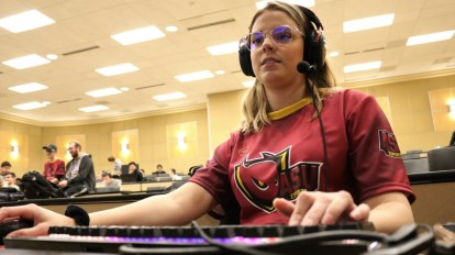 Dani George, ASU Esports Association vice president, plays Minecraft and streams on Twitch in support of Extra Life. (Photo by Lorenzino Estrada/Cronkite News)