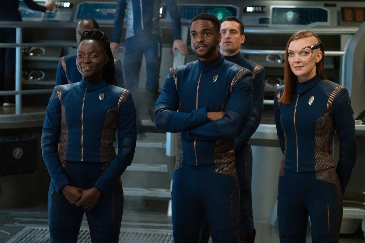 Discovery closes the distance and brings the Star Trek universe back together