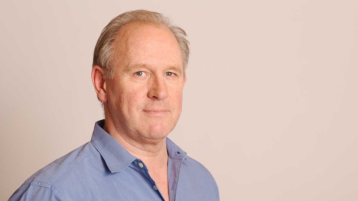 Peter Davison (Tony Whitmore)