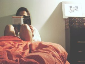 The surprising benefits of reading before bed