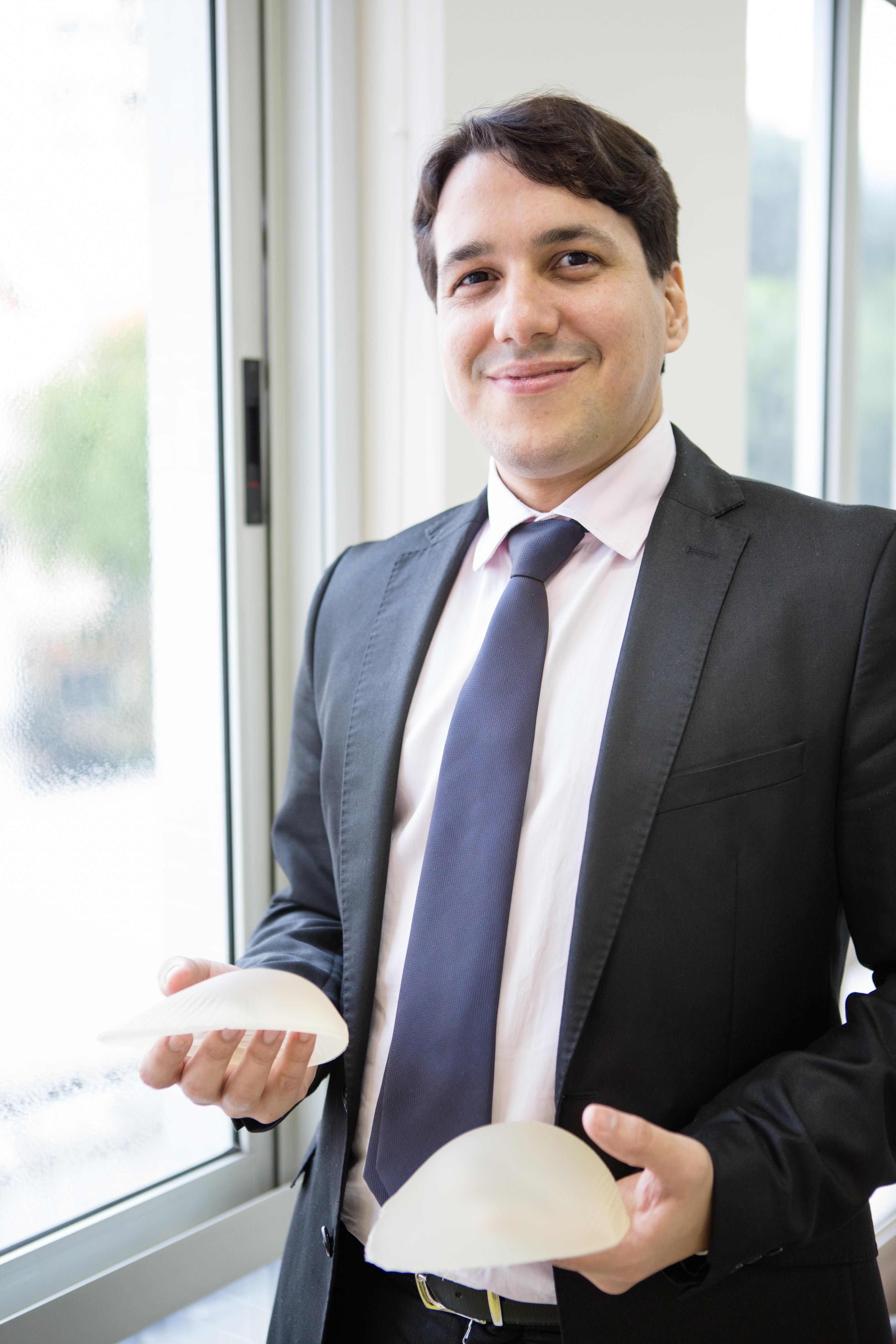 Dr. André Nery - Cirurgião Plástico