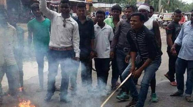 योगी के फेसबुक पोस्ट पर असम में आक्रोश