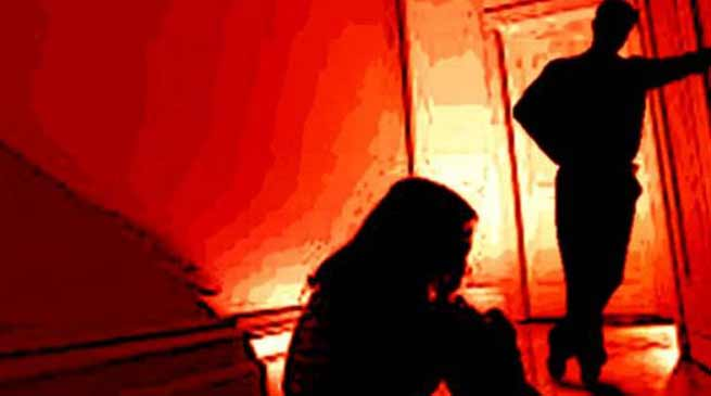 निर्भया कांड को दोहराया: पहले किया बलात्कार फिर निजी अंगों में डाली लोहे की रॉड