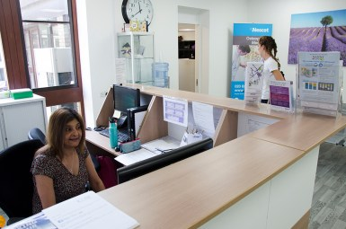 clinic reception contemporary 4