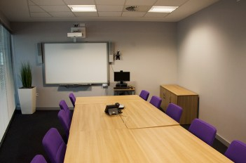 office meeting room contemporary seating 2