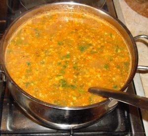 Заправляем суп приправами