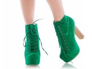 С чем носить зеленые ботильоны