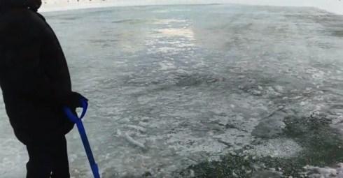 ВИДЕО. «Уйти инвалидом с этого катка»: как в Тольятти заливают ледовые площадки