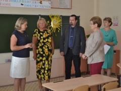 Депутаты Самарской губернской думы побывали в тольяттинских школах