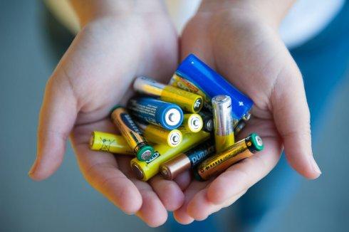 Обезопасить и переработать: батарейки на переработку в Самарской области сдает только «ЭкоВоз»?